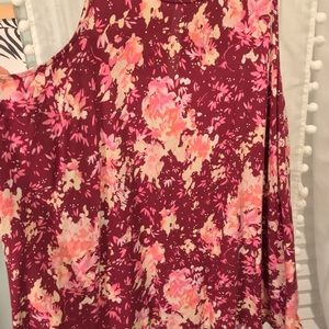 Old Navy Tops - Old Navy burgundy Floral high low tank